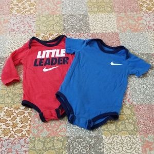 NKE ONESIE BOY BUNDLE RED/BLUE 9/12 MONTH